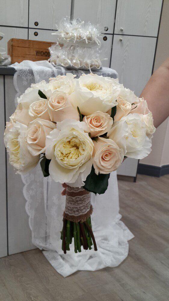 Ρομαντική ανθοδέσμη από το Bridal Garden