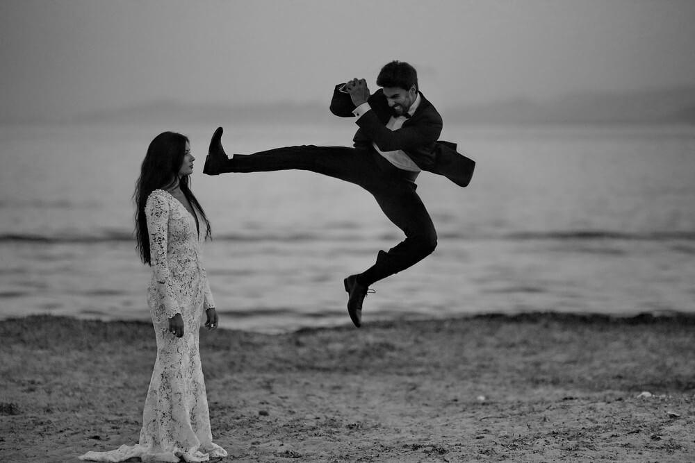 Φωτογράφηση Next Day με τον γαμπρό να εξασκεί τις πολεμικές τέχνες, by Panos Recouniotis