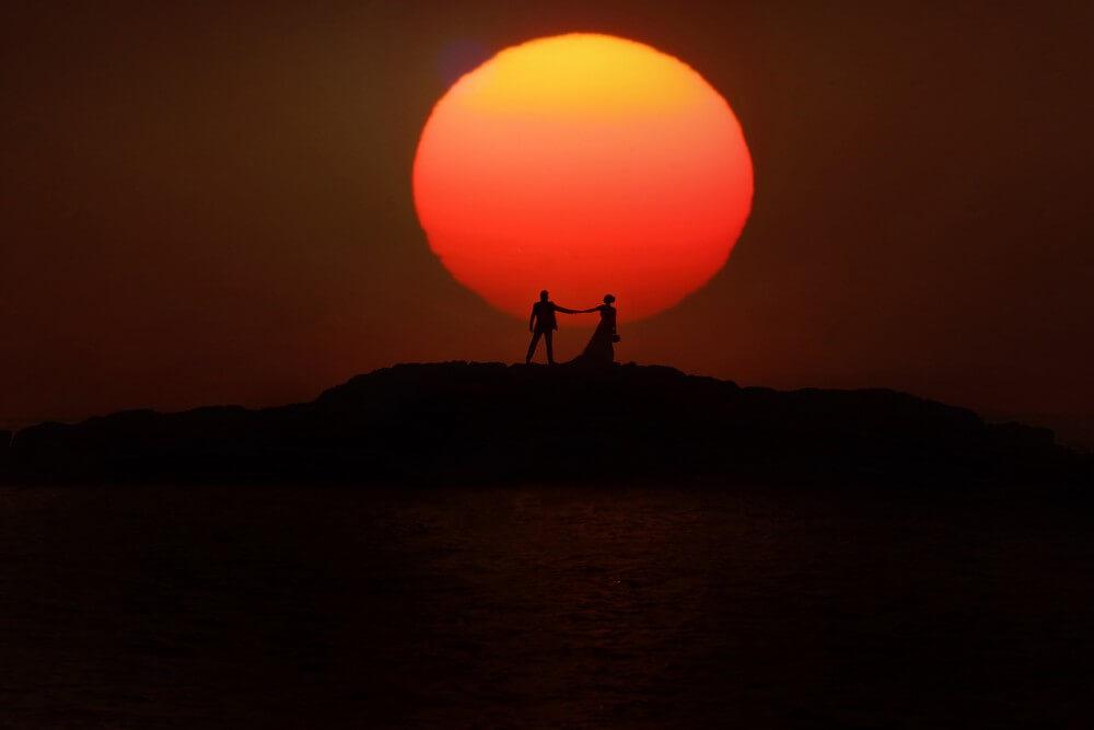 Φωτογράφηση Next Day με φόντο το ηλιοβασίλεμα by Panos Recouniotis