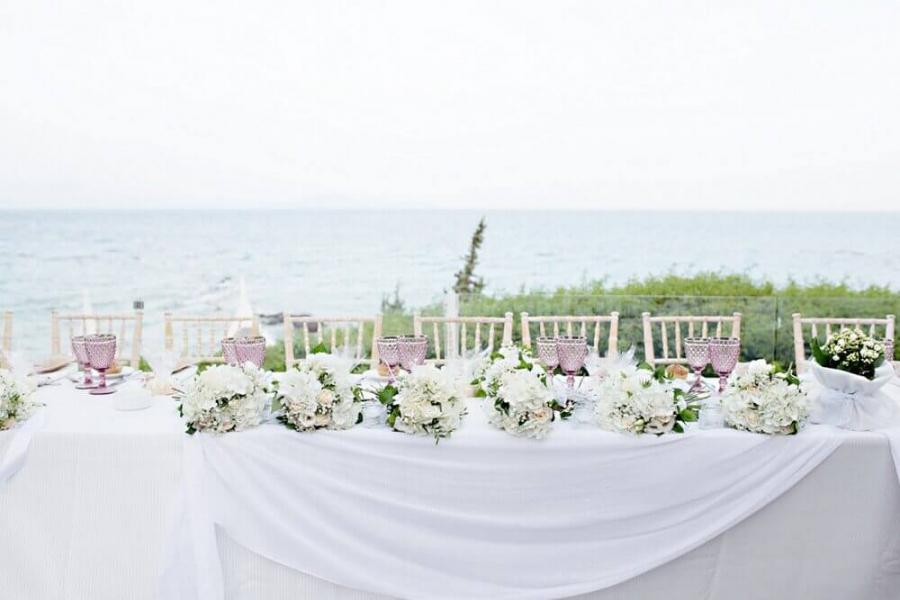 f368707a8d79 Στολισμός Γάμου  Ιδέες Διακόσμησης για το Τραπέζι Υποδοχής